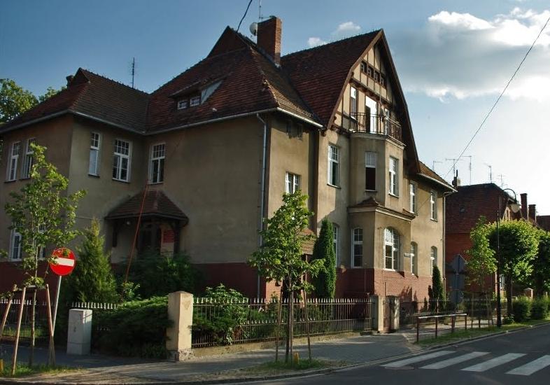 """Budynek Domu Dziecka """"Droga"""" w Wolsztynie."""